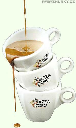 Kvalitní káva Piazza d'Oro v naší restauraci na Lipně.