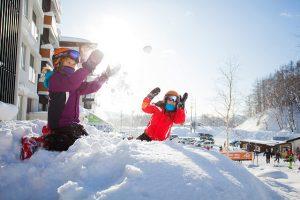 Nejenom lyžování, ale taky sáňkování, bobování a koulovačky na Lipně. :)
