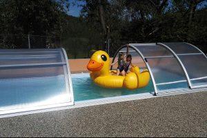 V penzionu Eder a Apartmánech Nad rybníky je vám k dispozici bazén.