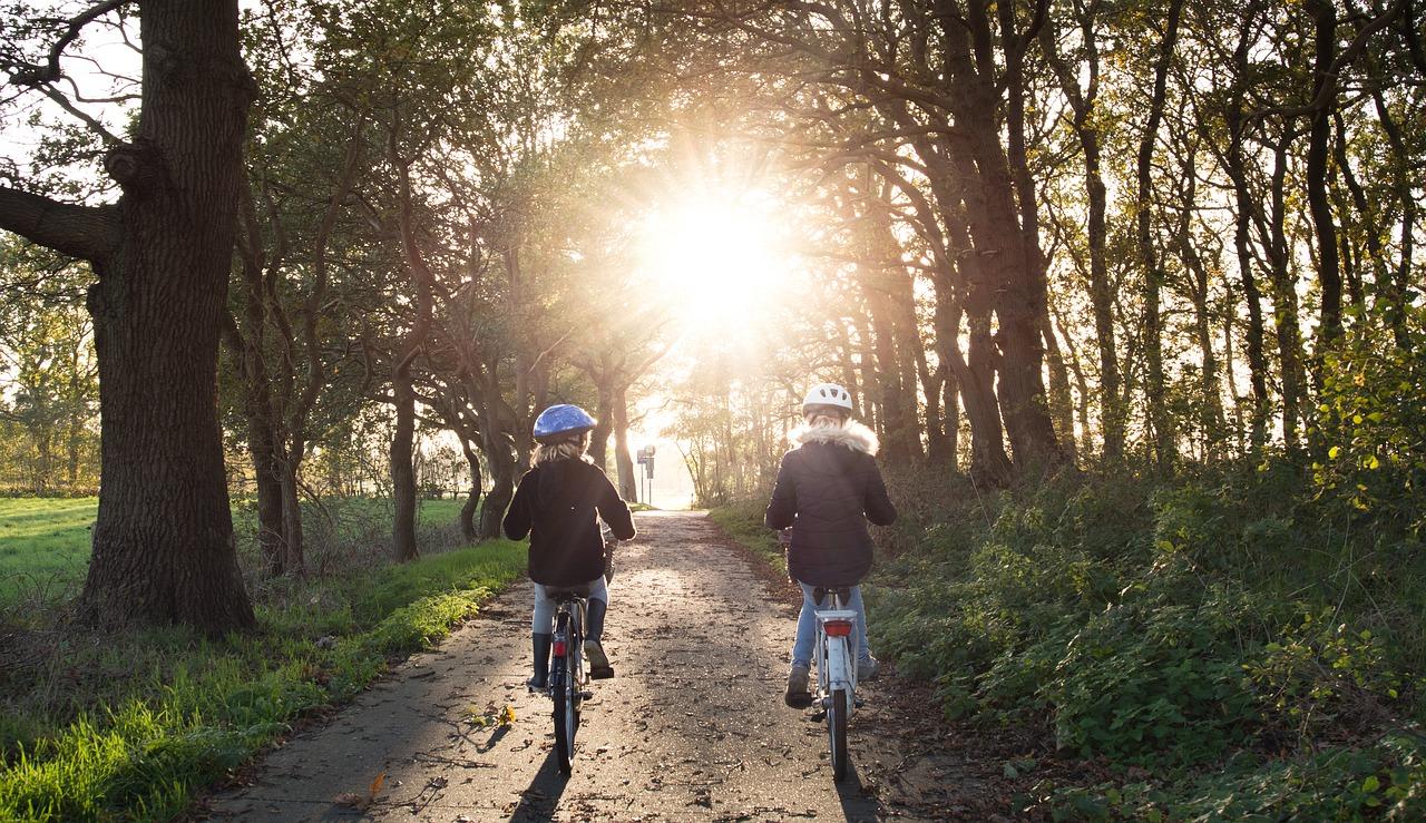 Cykloturistiku na Lipně si oblíbí taky děti.